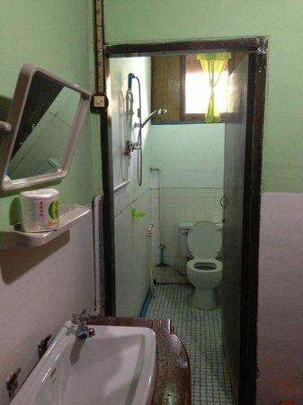 Aquarius Inn : Standard Room bathroom