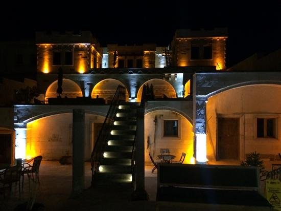 Ottoman Cave Suites: Ottoman Hotel at night.