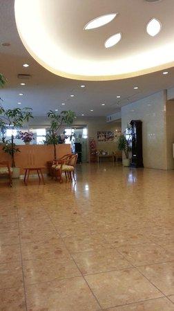 Tourist Inn Kochi: 1階ロビー