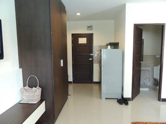 Phavina Serviced Residence: Room Entrance