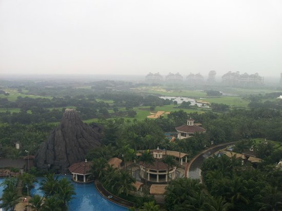 Mission Hills Resort Haikou: Вид из номера