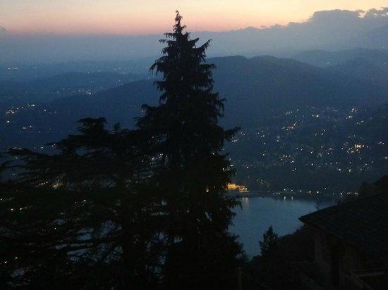 Bellavista Boutique Hotel: View from Restaurant at dusk