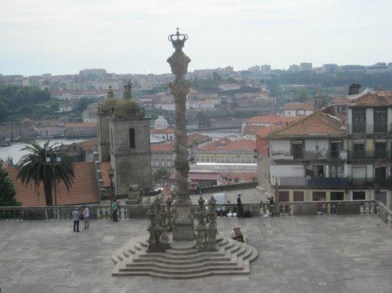 Porto Cathedral (Se Catedral): VISTA DESDE EL INTERIOR.