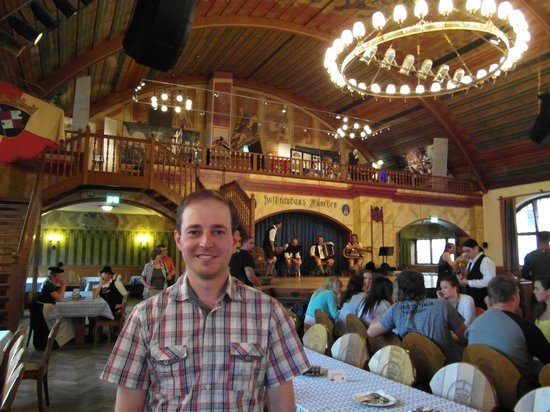 Hofbrauhaus Munchen: Alegria e cerveja