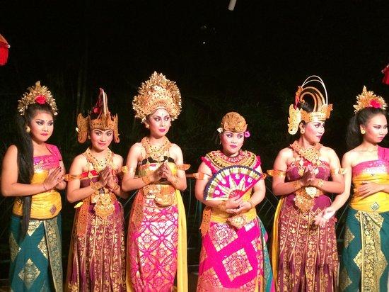 Ramada Bintang Bali Resort: Banquet evening