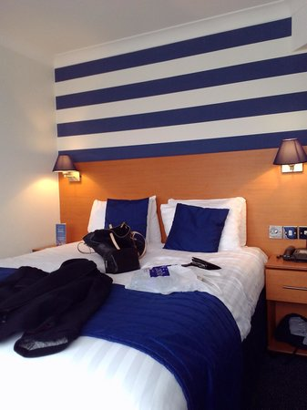 The Liner Hotel: bed room