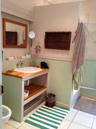 Addo Reach: Bathroom
