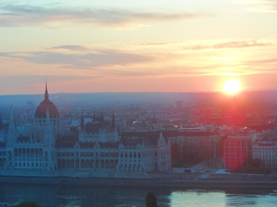 Hilton Budapest: sun rise from hotel room.