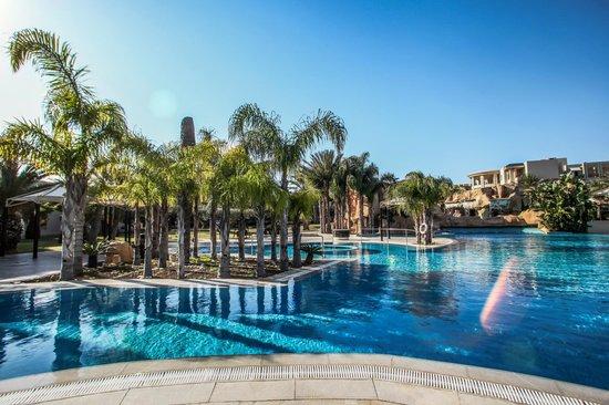 The Russelior Hotel & Spa: piscine