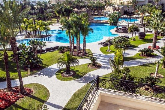 روسلوار هوتيل آند سبا: piscine