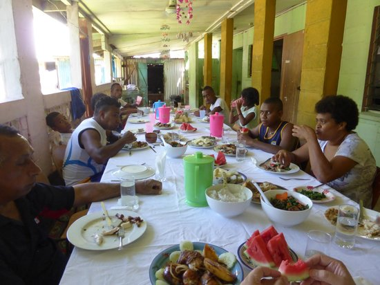 Bati's Guest House: Sunday dinner with extended family
