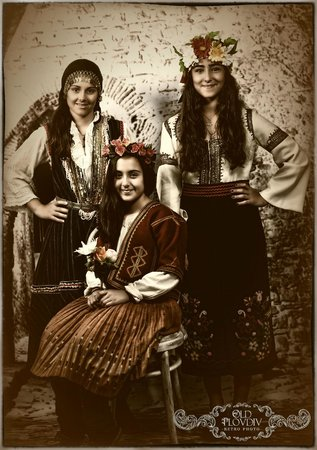 Old Plovdiv Retro Photo: These beautifull sisters from Spain are enjoying the feal of dressing as young ladies as they di