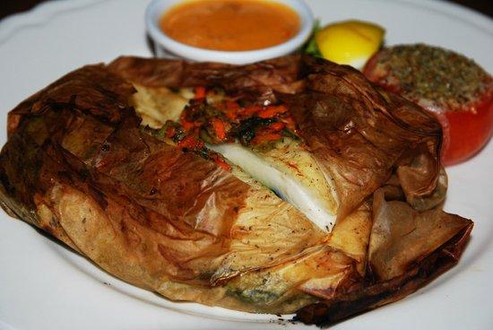Czerwony Wieprz: Палтус на овощной подушке с раковым соусом