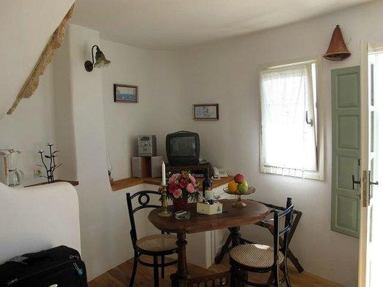Fanari Villas: Downstairs