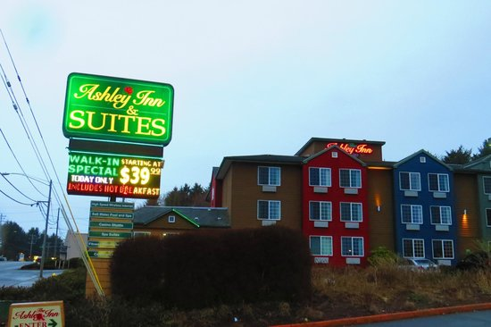 Ashley Inn and Suites: Cheap but Good !