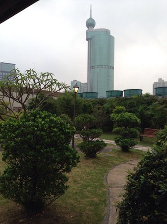 Crowne Plaza Foshan: Roof top garden