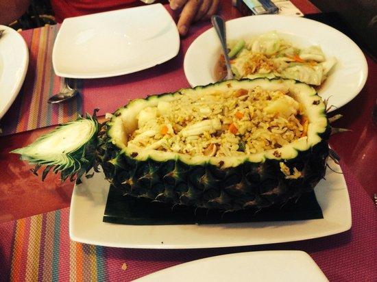 Sea Hag Restaurant: Pinapple rice seafood