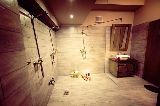 Prysznice Bild Von Laznia Slavic Spa Bathhouse Breslau