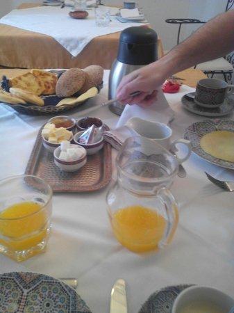 Riad Nerja : Desayuno en el riad