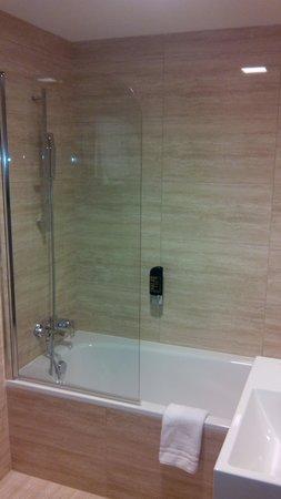 Grandior Hotel Prague: Il bagno