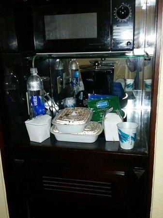 La Quinta Inn & Suites Secaucus Meadowlands: Mini fridge/microwave