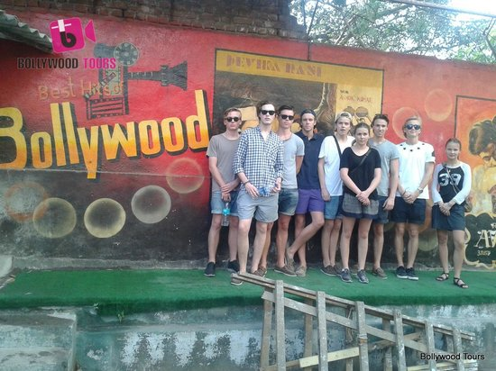 Bollywood Tours: Group pic time.