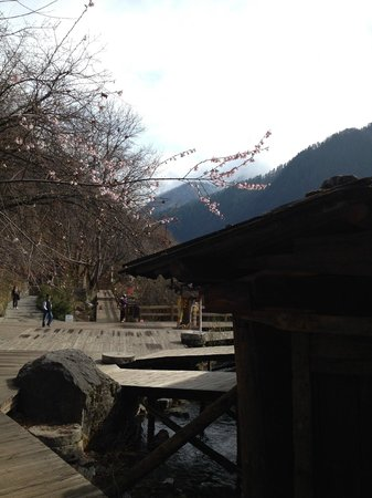 Jiuzhaigou Natural Reserve : Facility at the conservation area for the urban visitors