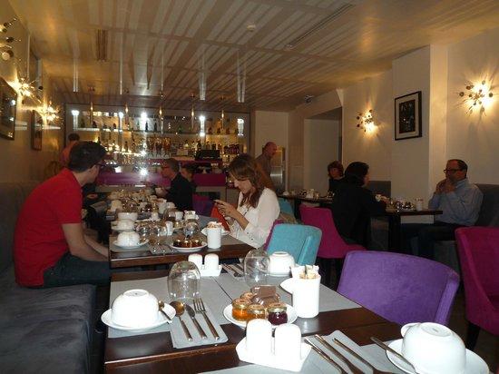 Lyric Hotel Paris : salón para desayunar