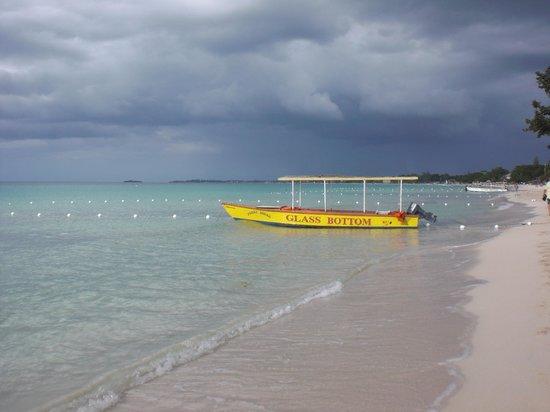 Shields Negril Villas: spiaggia