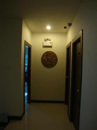 Ruen Buathong Boutique Guest House : Couloir de l'hôtel
