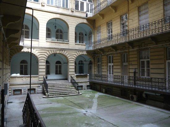 2Night Hostel , внутренний дворик