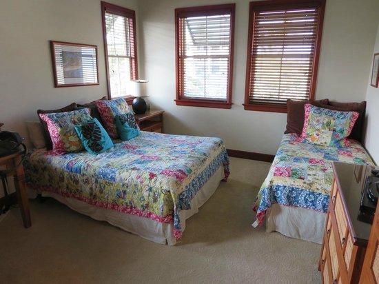Kolea at Waikoloa Beach Resort : 2nd bedroom with TV