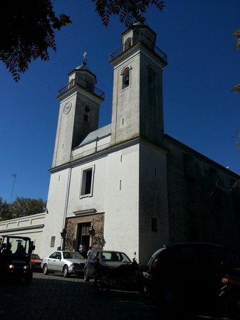 Viejo Barrio Restaurant and Bar : Ubicado frente a la iglesia antigua.