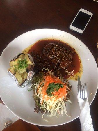 No 9 2nd Restaurant: Мясо в соусе
