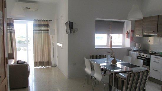 Park Lane Aparthotel : Seating/Dining Area