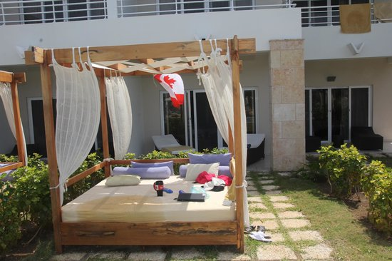 Paradisus Princesa del Mar Resort & Spa: Comfee bed infront of room 7136
