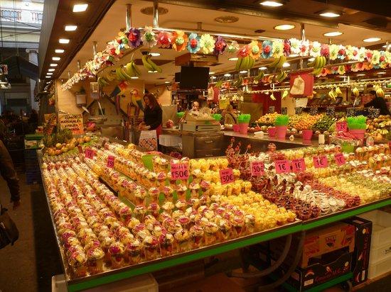 Mercado de Sant Josep de la Boqueria: frutta e macedonie