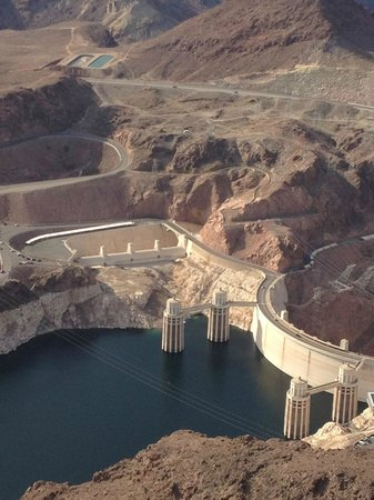 Papillon Grand Canyon Helicopters : Over the Hoover Dam