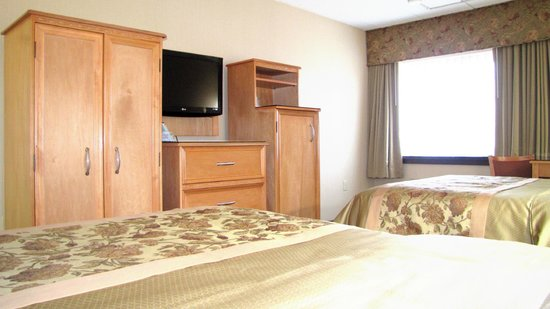 Best Western Motor Inn: Our two double bed guest room is spacious and offers you a comfort