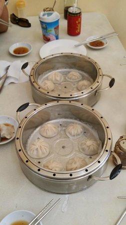 Dong Bei Dumpling: xiao long bao 6 pcs per order