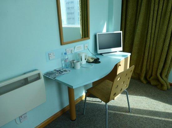 The Big Sleep Hotel Cardiff by Compass Hospitality: Room 402