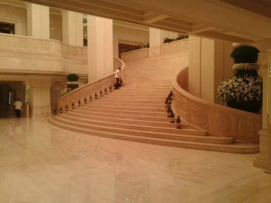 ITC Grand Chola, Chennai: Reception Area - the grand stairway.