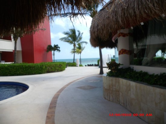 Temptation Cancun Resort: Tropical paradise
