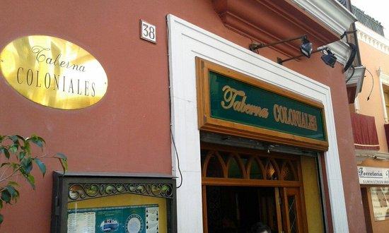 Los Coloniales .  Calle Fernandez y Gonzalez