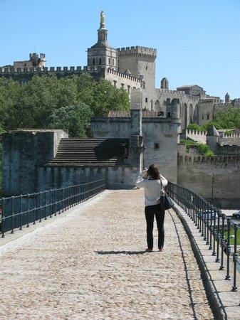 Pont Saint-Bénézet (Pont d'Avignon) : On the Bridge