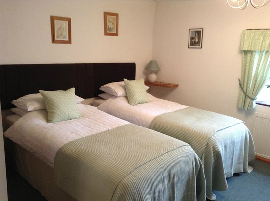 Rose Cottage: Bed ! (Twin En Suite)