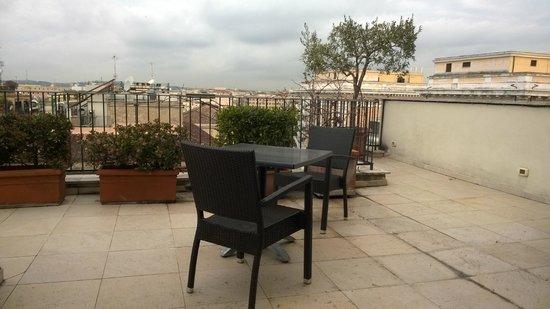 Bettoja Hotel Mediterraneo: Terrazza privata della Stanza 816