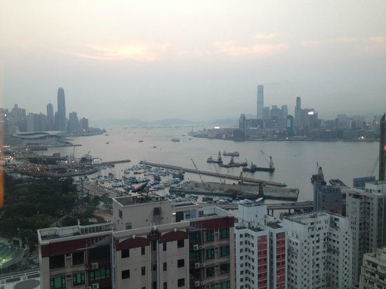 L'hotel Causeway Bay Harbour View : View of harbour from room (floor 36)