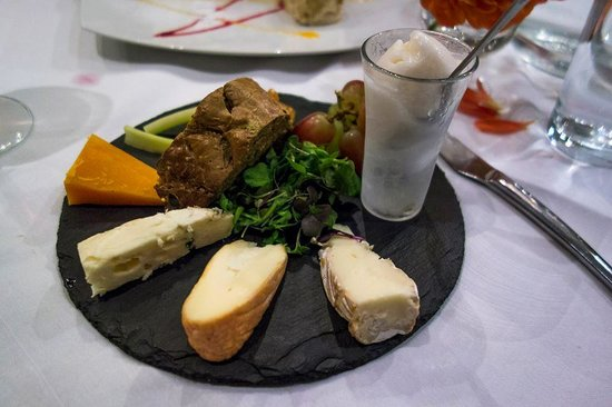 Whits : Assorted Cheese and Sorbet