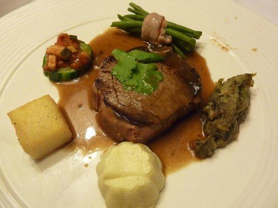 Restaurant Le Bouche à Oreille : pièce de viande du menu enfant (!)